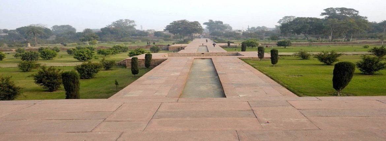 Bagh-i-Gul Afsha or Rambagh Agra
